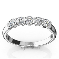 Bakset setting 5 diamonds shared prong rounded shank comfort fit wedding anniversary band
