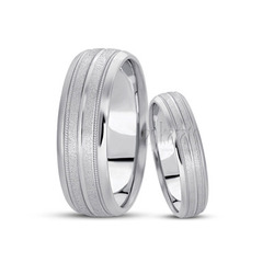 His and her basic carved simple wedding ring
